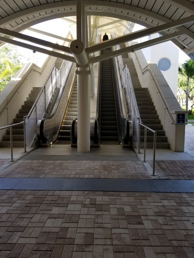 asdasdHyatt Skybridge - Column Wraps - Vocera